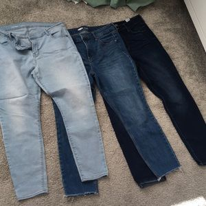 Lot of three pairs of Old Navy jeans 14